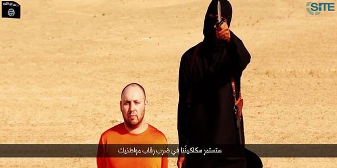 Screenshot of the video released by ISIS showing the beheading of Jewish American journalist Steve Sotloff by Jihadi John.