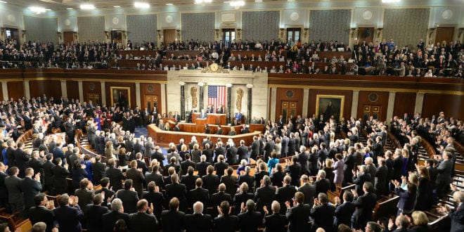 Federal legislators applaud Israeli Prime Minister Benjamin Netanyahu during his speech to a joint session of Congress on Tuesday. (Photo: Amos Ben Gershom/GPO)