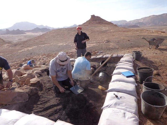 The excavation of a metallurgical workshop at Timna site. (Photo: Central Timna Valley Project – TAU/JNi Media)