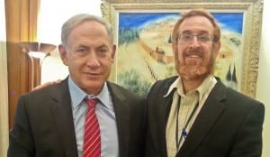 PM Benjamin Netanyahu (l) and Rabbi Yehudah Glick. (Courtesy)