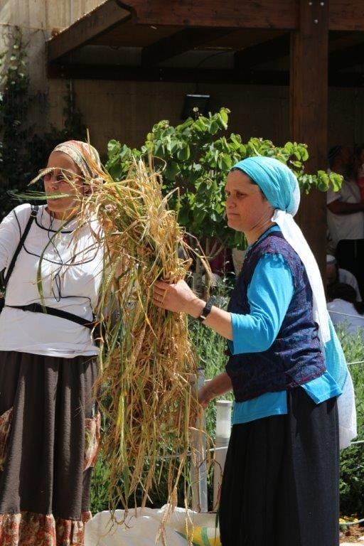 Women practice the Omer sacrifice in Jerusalem ahead of Shavuot: the Festival of Weeks (Photo: Women for the Holy Temple)