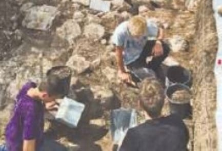 Israeli teens work on an excavation in Ibillin for the Israel Antiquities Authority. (Photo: Ofri Lawrence)